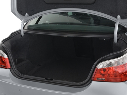 что нужно иметь в багажнике автомобиля